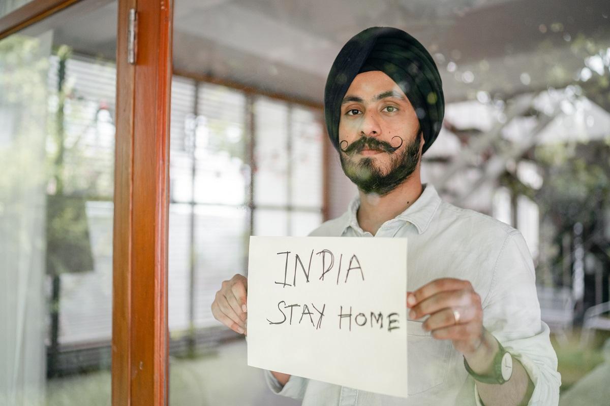Stanna hemma bild under pandemin i Indien